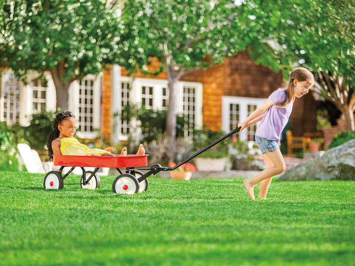 Girls-play-in-garden